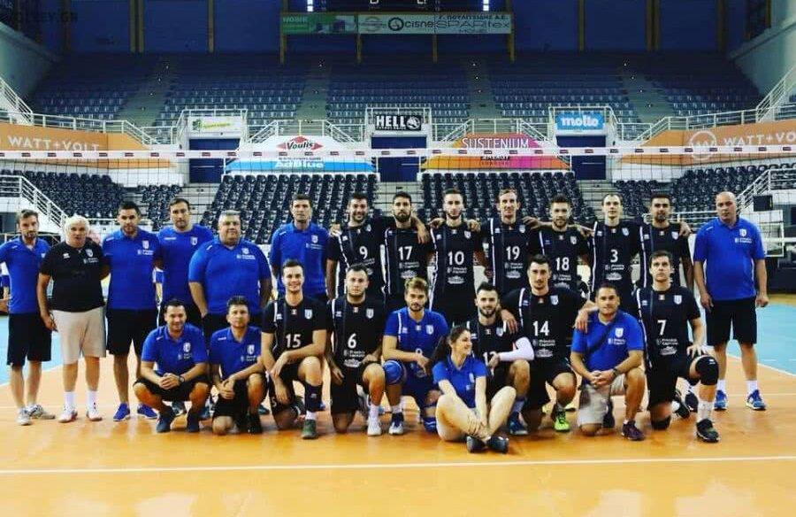 Echipa CSM București din ultimul sezon competițional. Gabriel Gancea, în centrul imaginii
