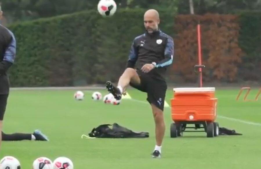 FOTO: Captură Twitter // Pep Guardiola, la antrenamentul echipei Manchester City