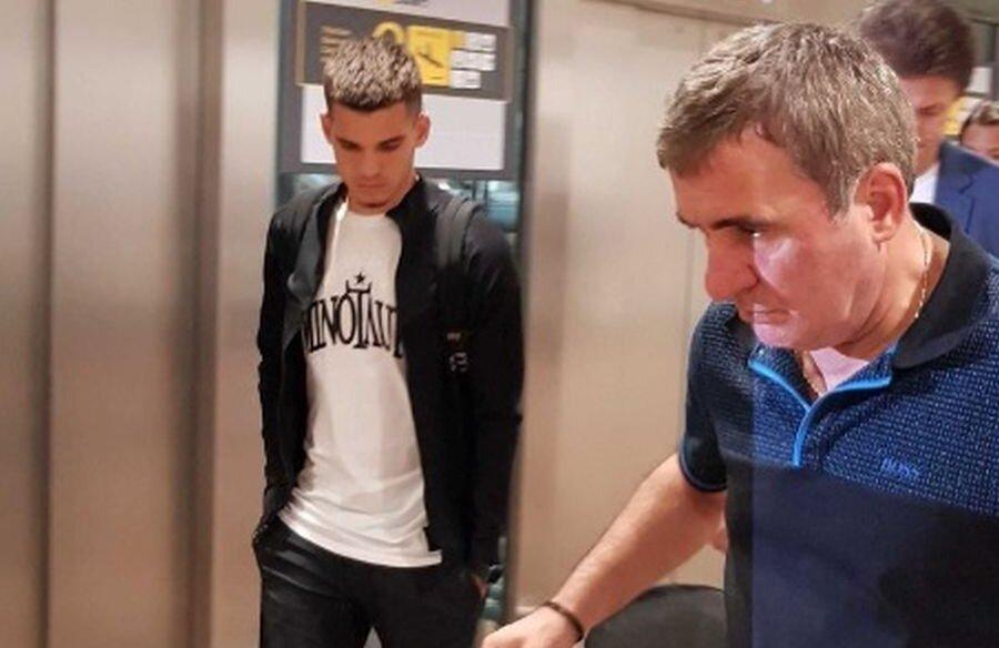 Ianis Hagi și Gică, pe aeroportul din Bruxelles // foto: hln.be
