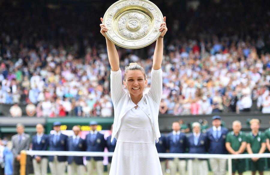 Simona Halep a cucerit titlul la Wimbledon în fața Serenei Williams