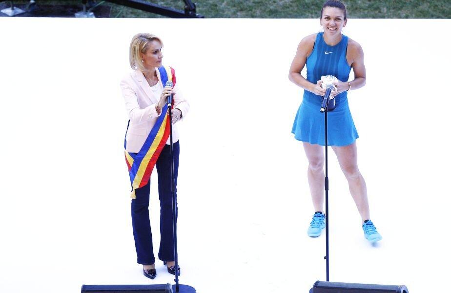 Simona Halep și Gabriela Firea, la festivitatea din 2018 după câștigarea Roland Garros // FOTO: Cristi Preda