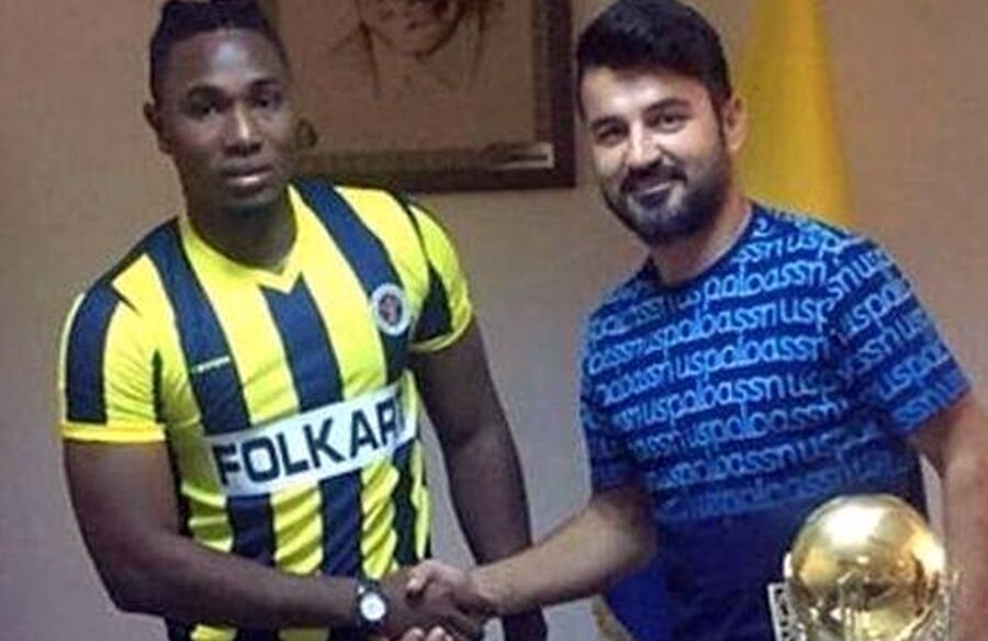 Oficialii lui Menemenspor (liga secundă turcă) au fost convinși că l-au adus pe Lamin Jallow, dar era Alpha Jallow