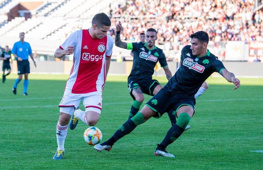 Foto Twitter Ajax